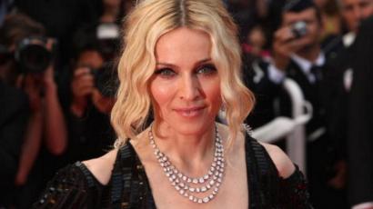 Szembement önmagával: Madonna mégis örökbefogadott két gyereket