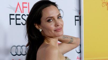 Szerelemre vágyik Angelina Jolie