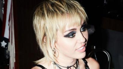 Szokatlan udvarlója akadt Miley Cyrusnak, viccesen reagált az énekesnő