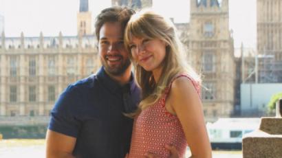 Szülői örömök elé néz Nathan Kress és felesége