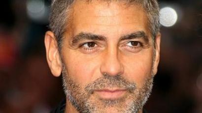 Tanúvallomásra idézték Clooney-t