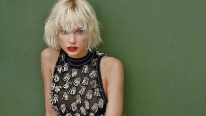 Taylor Swift hajszínt váltott, és bemutatkozott Tom Hiddleston édesanyjának