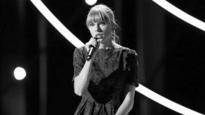 Taylor Swift rákban elhunyt kisfiúnak írt dalt