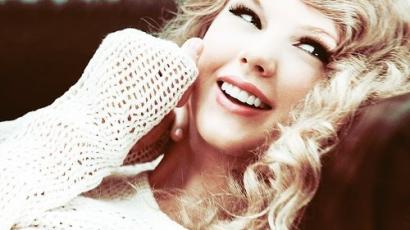 Taylor Swift többé már nem szőke