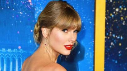 Taylor Swift vörösben gálázott a Macskák premierjén