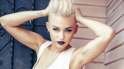 Tetoválást csináltatott apja tiszteletére Miley Cyrus
