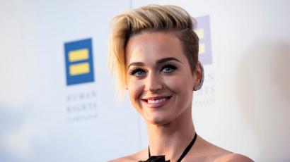 Több is volt! Katy Perry nem csak csókolózott lányokkal