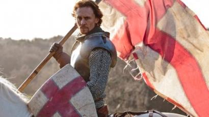 Tom Hiddleston éhezett sorozata forgatásán