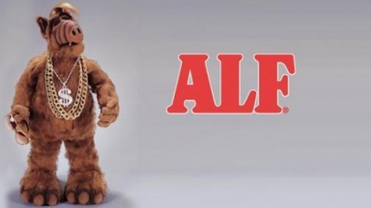 Üdvözlet a túlvilágról - visszatér ALF!