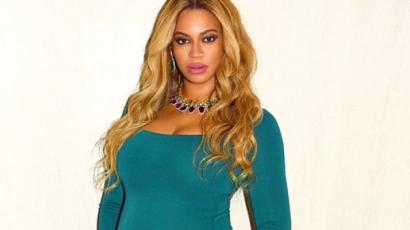Új fotósorozat készült a várandós Beyoncéról! Ilyen nagy már a pocakja