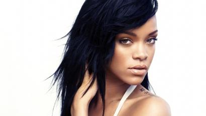 Új tetoválást varratott Rihanna