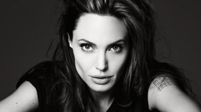 Újabb gigantikus tetoválásokkal gazdagodott Angelina Jolie