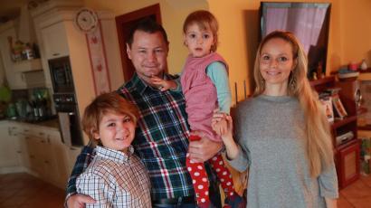 Újabb gyerkőccel bővül Erdei Zsolt családja