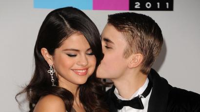Újabb nyilvános csók csattant el Justin Bieber és Selena Gomez között