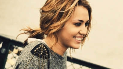 Újabb tetoválást varratott magára Miley Cyrus