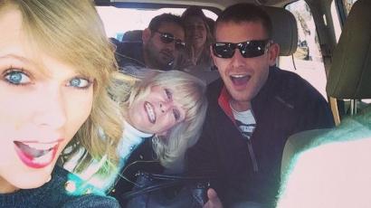 Unokatesóival töltötte a hálaadást Taylor Swift