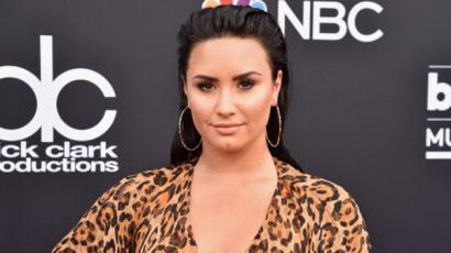 """Út a gyógyulás felé: 90 napja """"tiszta"""" Demi Lovato"""