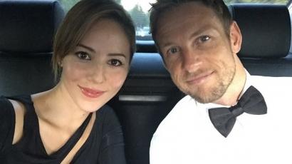 Jenson Button egy évvel esküvője után máris válni készül