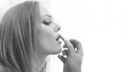 Vanessa Paradis új Chanel-rúzst reklámoz