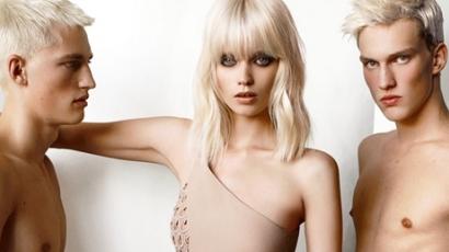 Versace 2011: tavasz–nyár Abbey Lee-vel