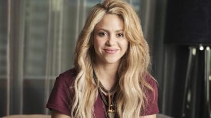 Vörös hajjal is elragadó Shakira