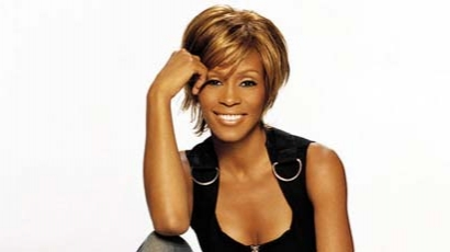 Whitney Houston újra a rehabon