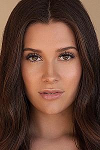 Natasha Calis