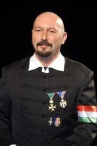 Petrás János