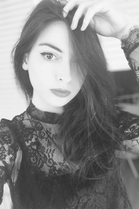 Lora Momsen