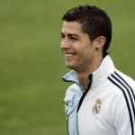 real-madrid-cristiano-ronaldo-training__13754860__MBQF,templateId=renderScaled,property=Bild,height=349.jpg