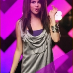 Másolat - Selena-Gomez-Falling-Down-Music-Video-disney-channel-girls-9566273-706-1056.jpg