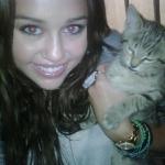 Miley_Cyrus_kittens.jpg