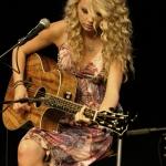 Taylor-taylor-swift-694212_387_580.jpg