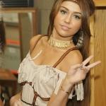 Miley indiánként