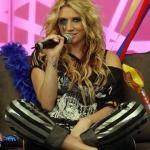 online-Kesha_hz.jpg