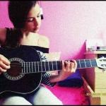 tudok gitározni..?!xd