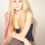 Avril-Lavigne-Hairstyle-01.jpg