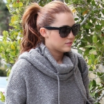 Miley-Cyrus-With-Mother-Out-in-Toluca-Lake-3-17-2011-1.jpg