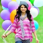 selena-gomez-selena-gomezs-colorful-and-fun-dream-out-loud-ad-images-revealed-olsen-twins-news-28729938f92d7bc3ebcce24d15caabce.jpg