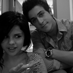 selena-gomez-dating-david-henrie.jpg