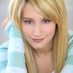 Ashley-Tisdale-disney-channel-star-singers-2306531-500-666.jpg