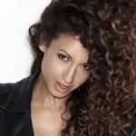 Danielle-csodás Peazer
