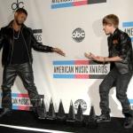 Justin+Bieber+2010+American+Music+Awards+Press+nzoXKJwKskul.jpg