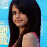 Selena+Gomez+Makeup+Pink+Lipstick+kR03KypcwXOl.jpg