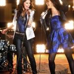 Selena-Gomez-Demi-Lovato-02.jpg