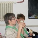 A szemüveges-Sanyi, a mellette lévő srác pedig Zoli