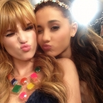 bella_thorne_bella_and_ariana_grande_3NovJhKf.sized.jpg