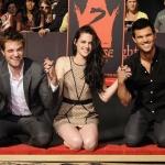 Twilight saga Robert-Kristen-Taylor.jpg