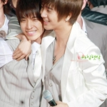 yesung_and_donghae_23072009022815.jpg