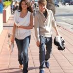 Selena+Gomez+Justin+Bieber+Selena+Gomez+Santa+2011.jpg